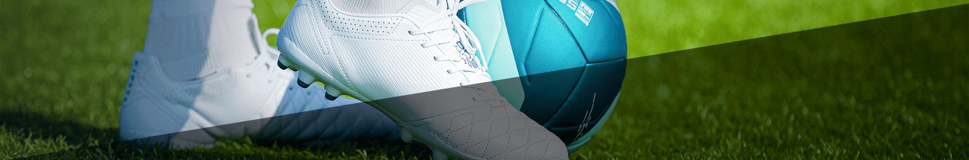 Взуття для футболу